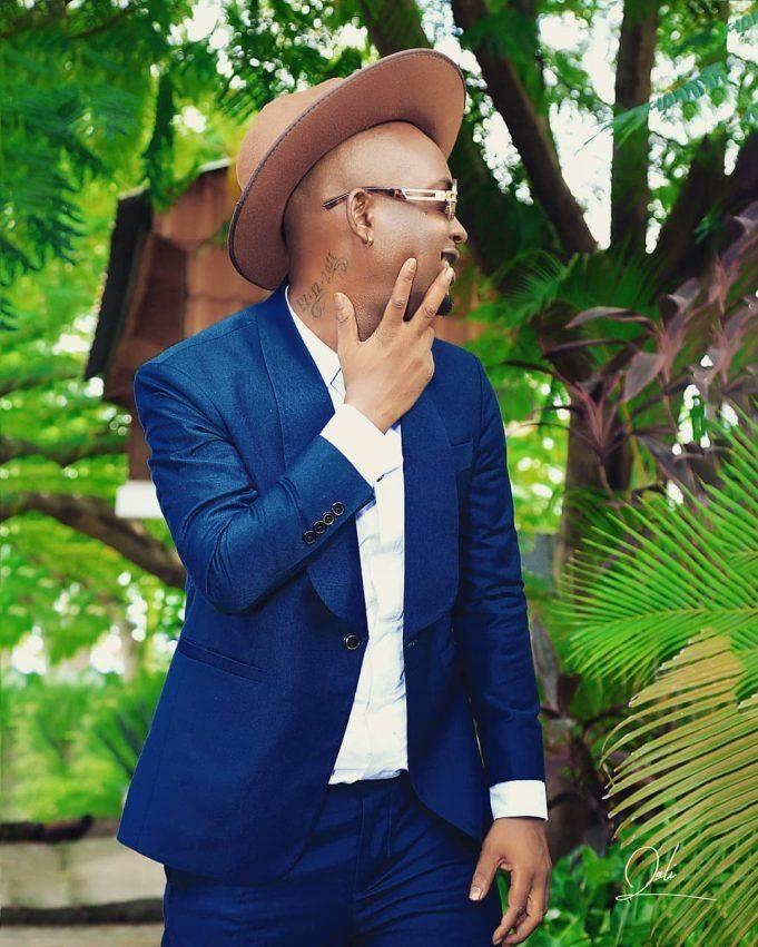 Mr Blue Mautundu artwork